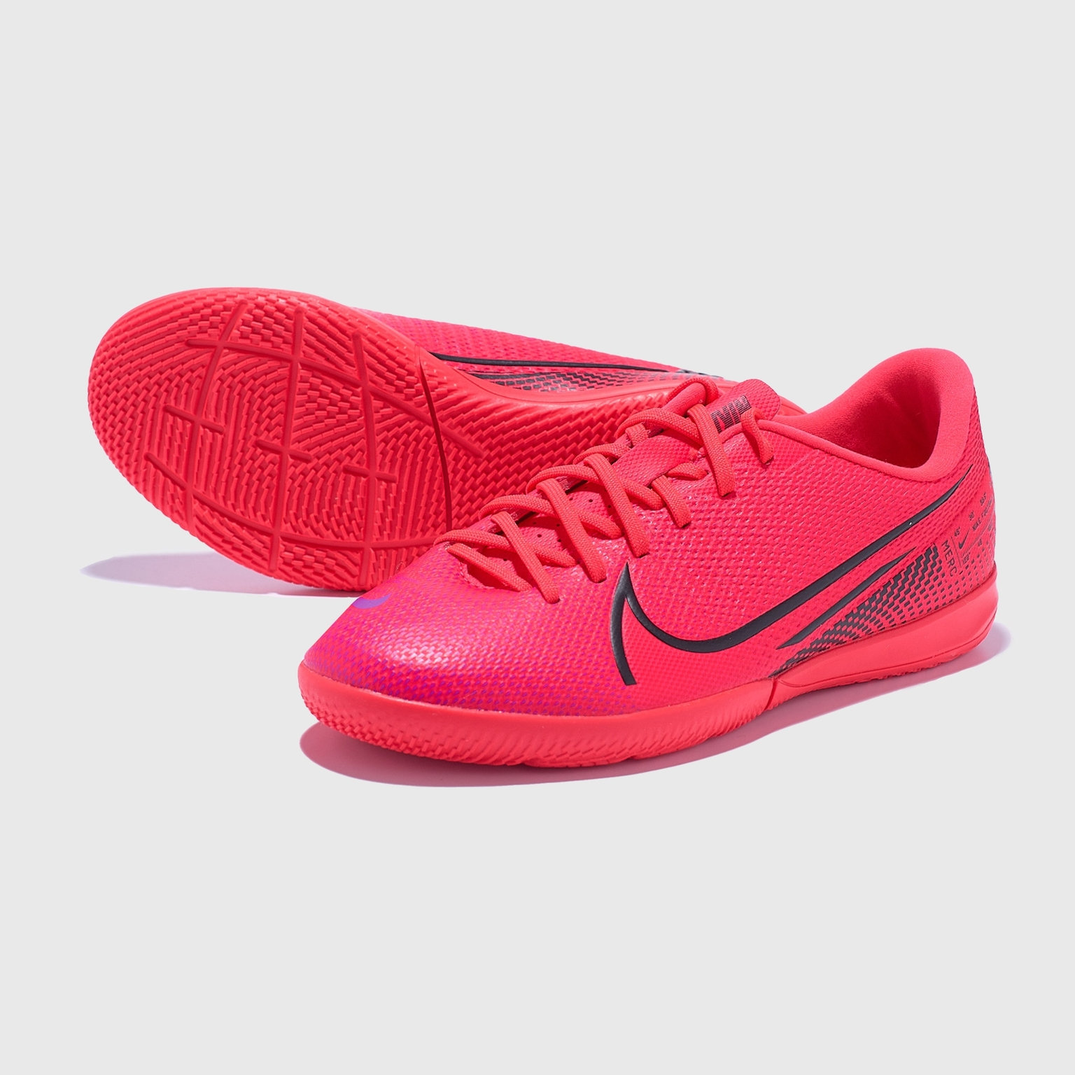 Футзалки детские Nike Vapor 13 Academy IC AT8137-606 футзалки детские nike legend 8 academy ic at5735 606
