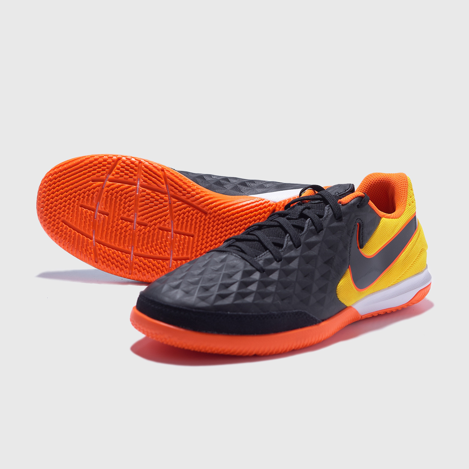 Футзалки Nike Legend 8 Academy IC AT6099-008