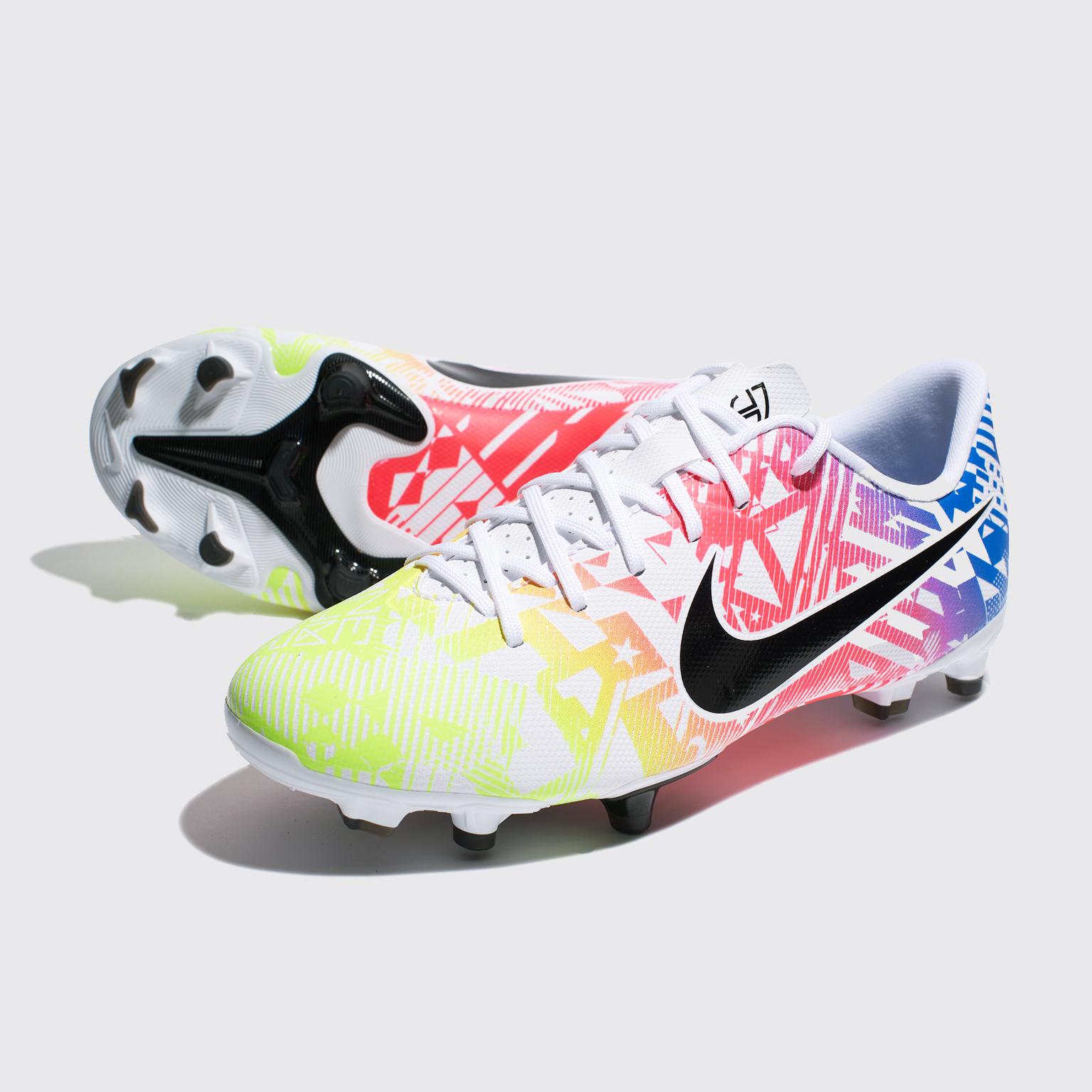 Фото - Бутсы детские Nike Vapor 13 Academy Neymar FG/MG AT8125-104 шиповки детские nike vapor 13 academy neymar tf at8144 104