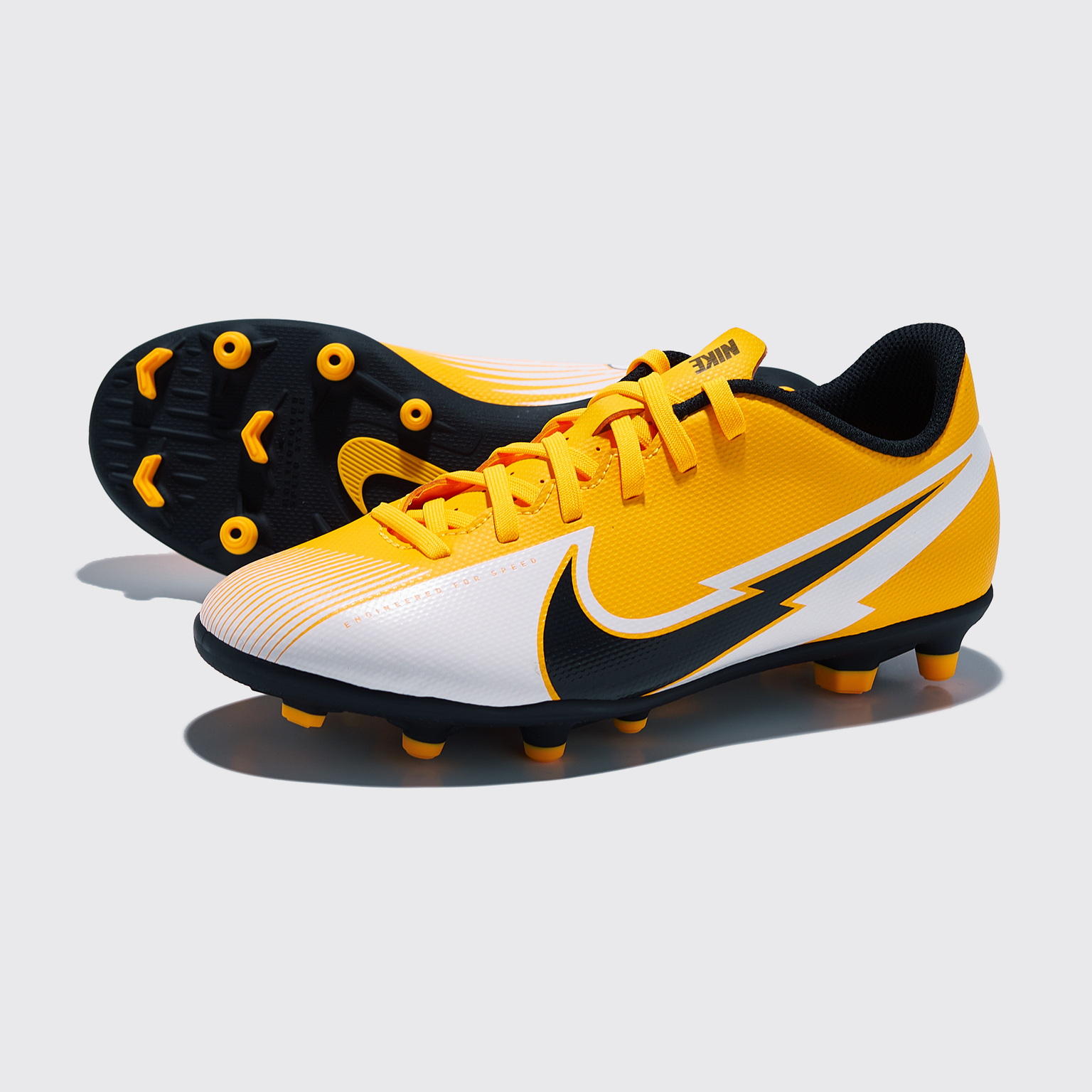 Бутсы детские Nike Vapor 13 Club FG/MG AT8161-801 бутсы детские nike vapor 13 club mg ps at8162 010